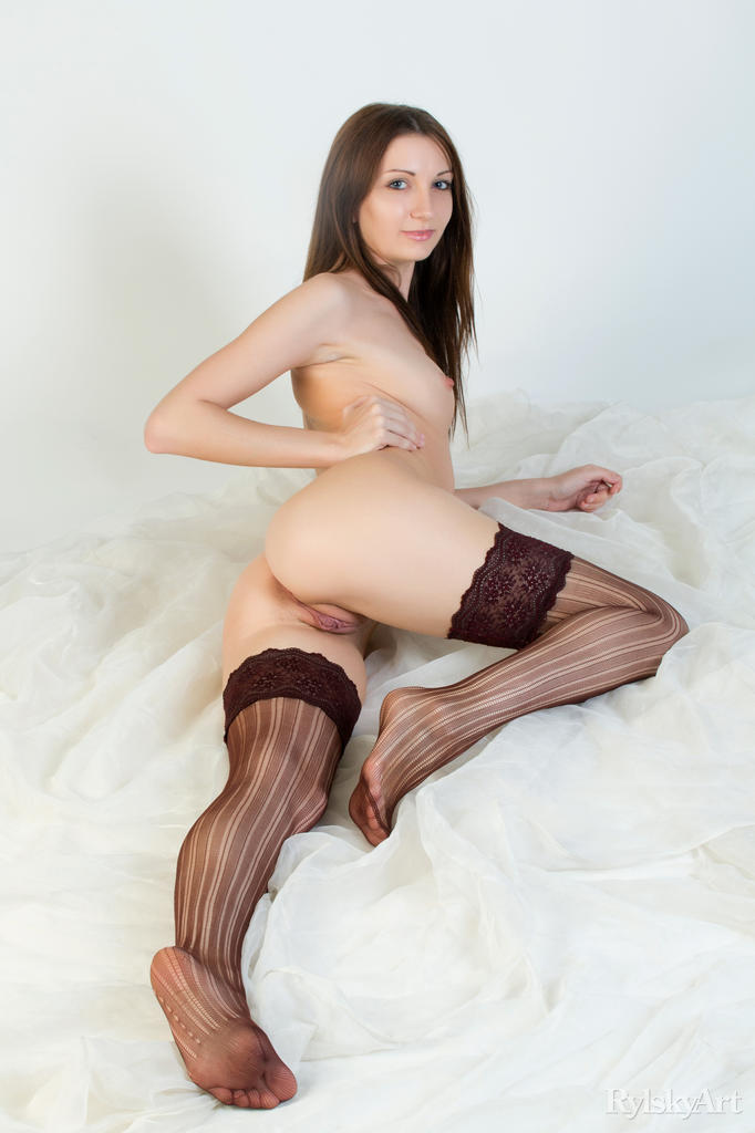 girl having periods pic nude pussy