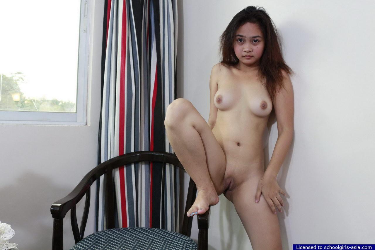 Nude erika eleniak lesbian
