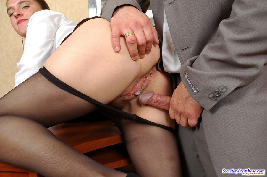 Секс В Колготках С Секретаршей Смотреть Онлайн