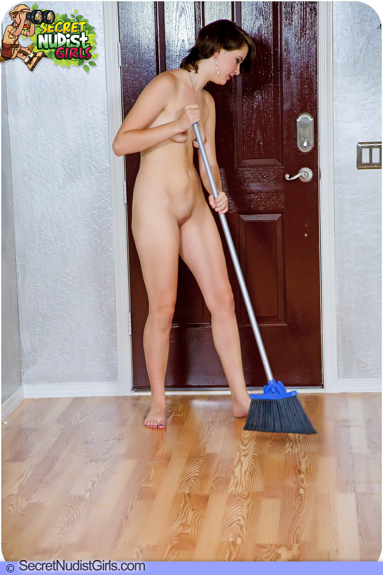 naked girl cleaning
