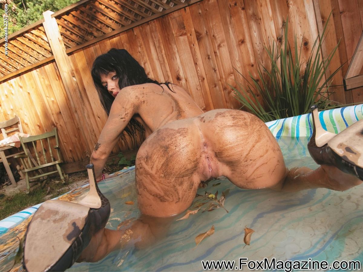 Фото грязные шлюшки, Грязные шлюшки с большими голыми попками 16 фотография