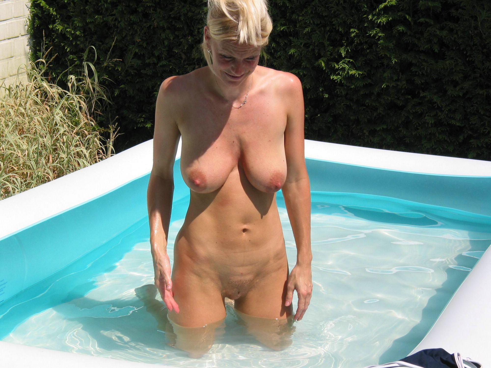 Nude pool moms