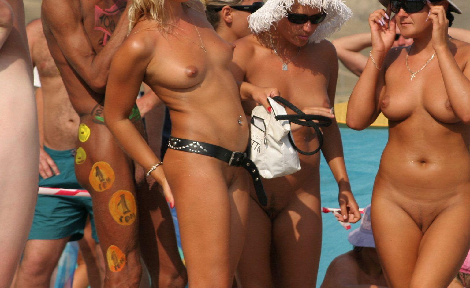 nudisti-sving