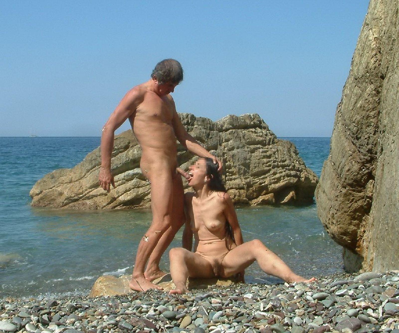 erotika-nudisti-plyazh