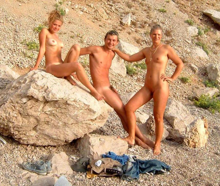 фото на море нудистов