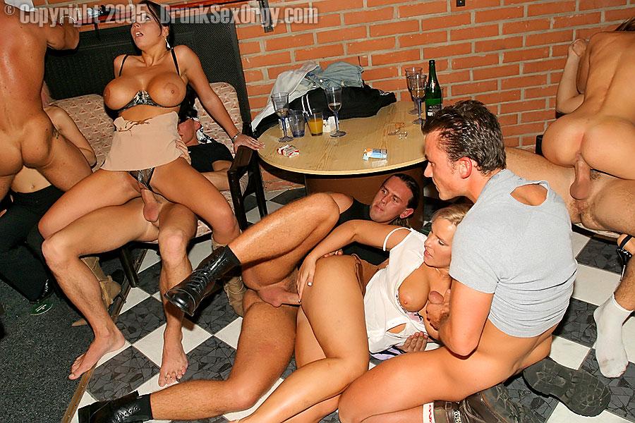 cum slurping party pics