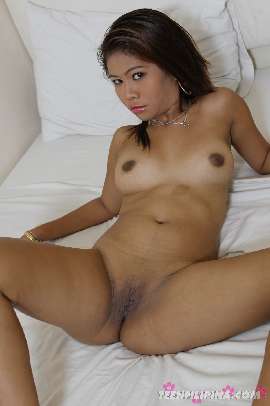 real nude woman raw photo