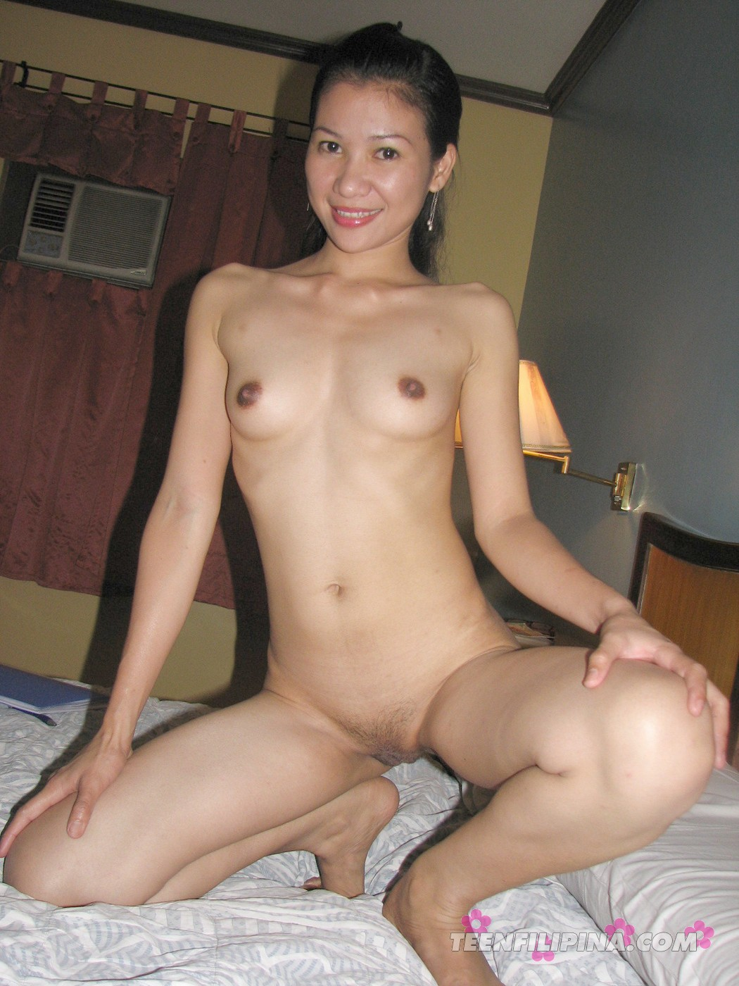 image Beautiful philippine babe shows body off