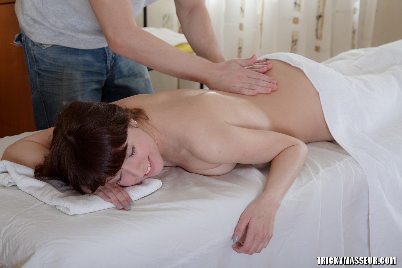 stihi-na-noch-devushke-seksualnie