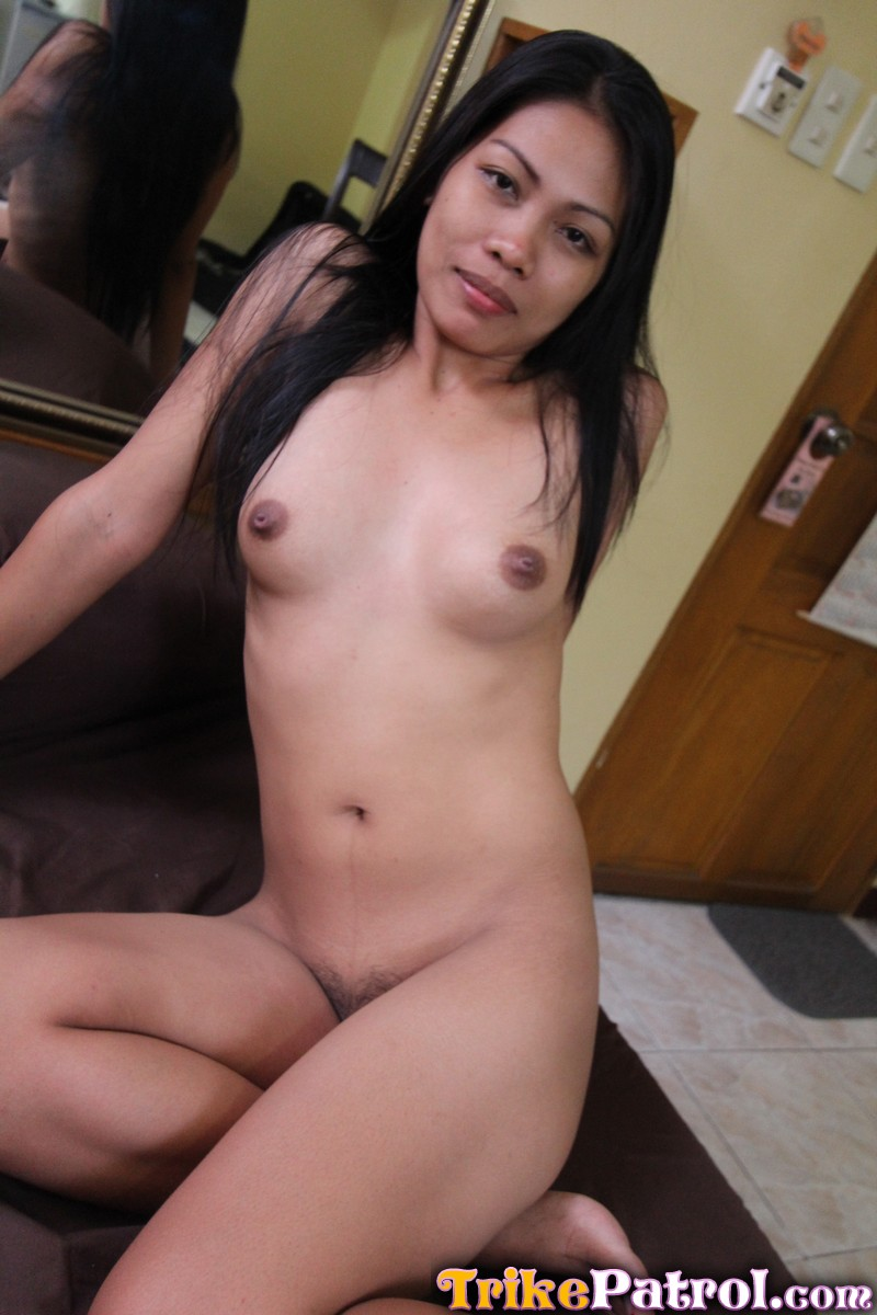 Filipina streetwalker sucks a mean dick and gets pussy cream