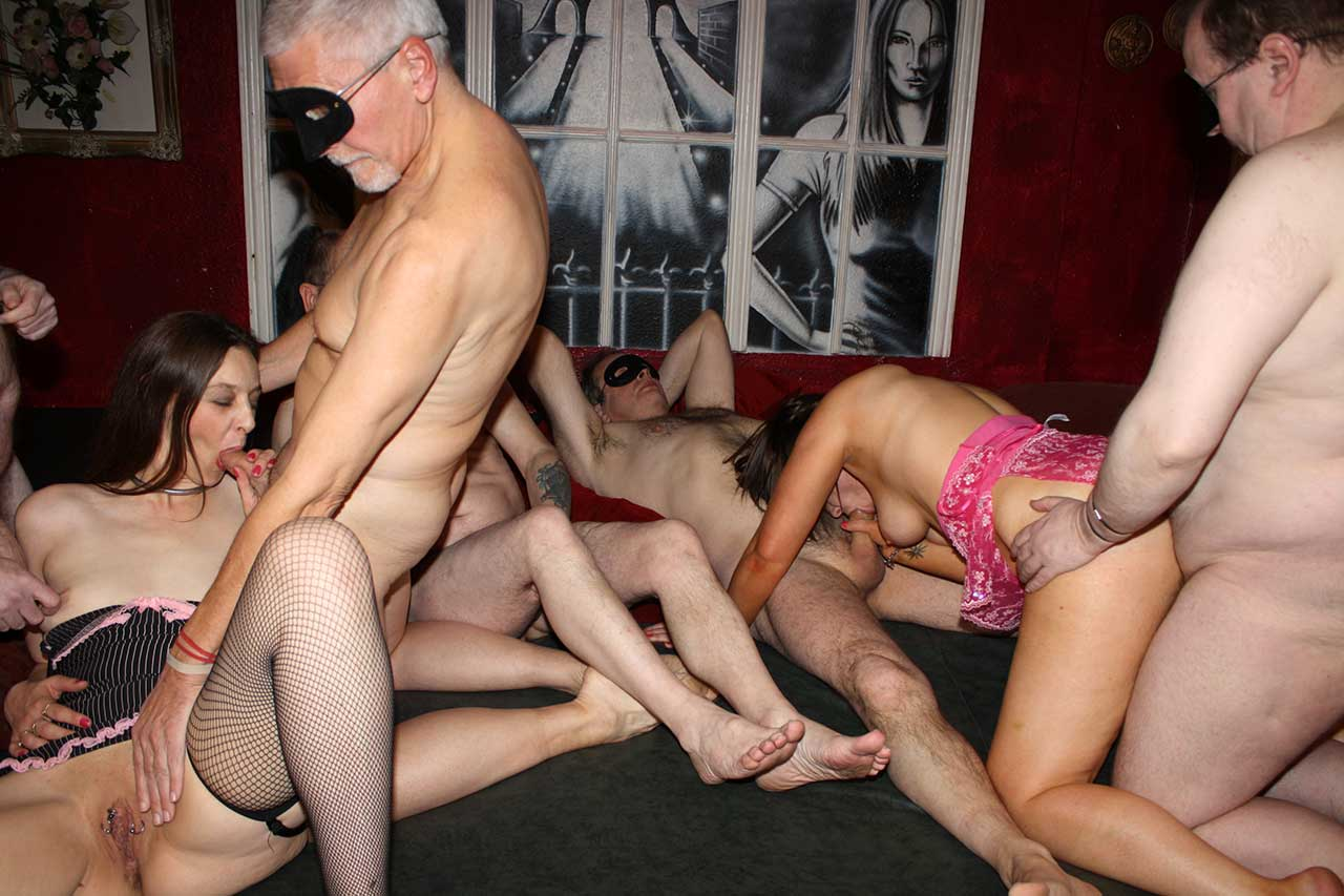 Amature uk swinger sex party pictures