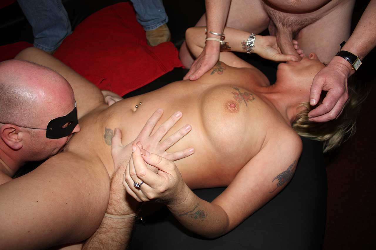 Huge pussy spread wide mom