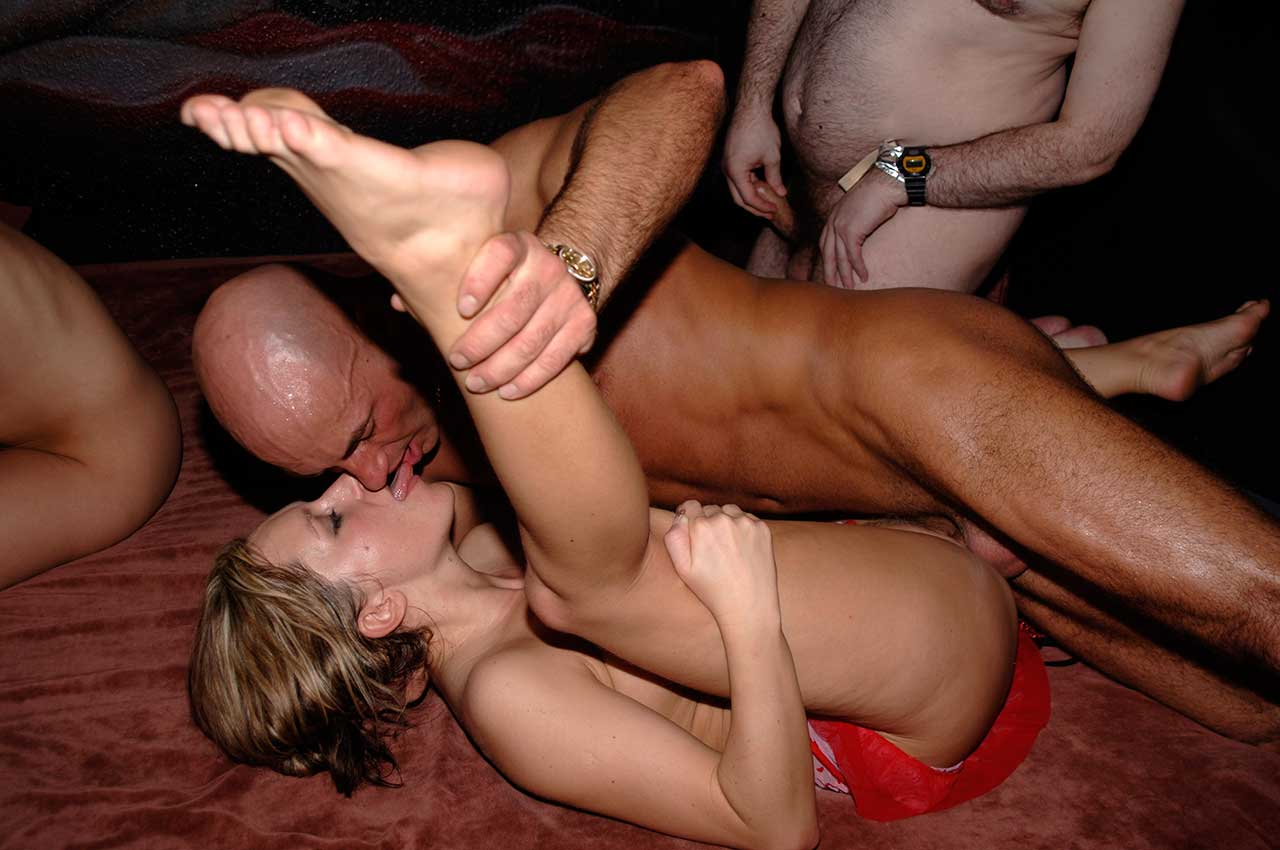 nude sex party luder i uk