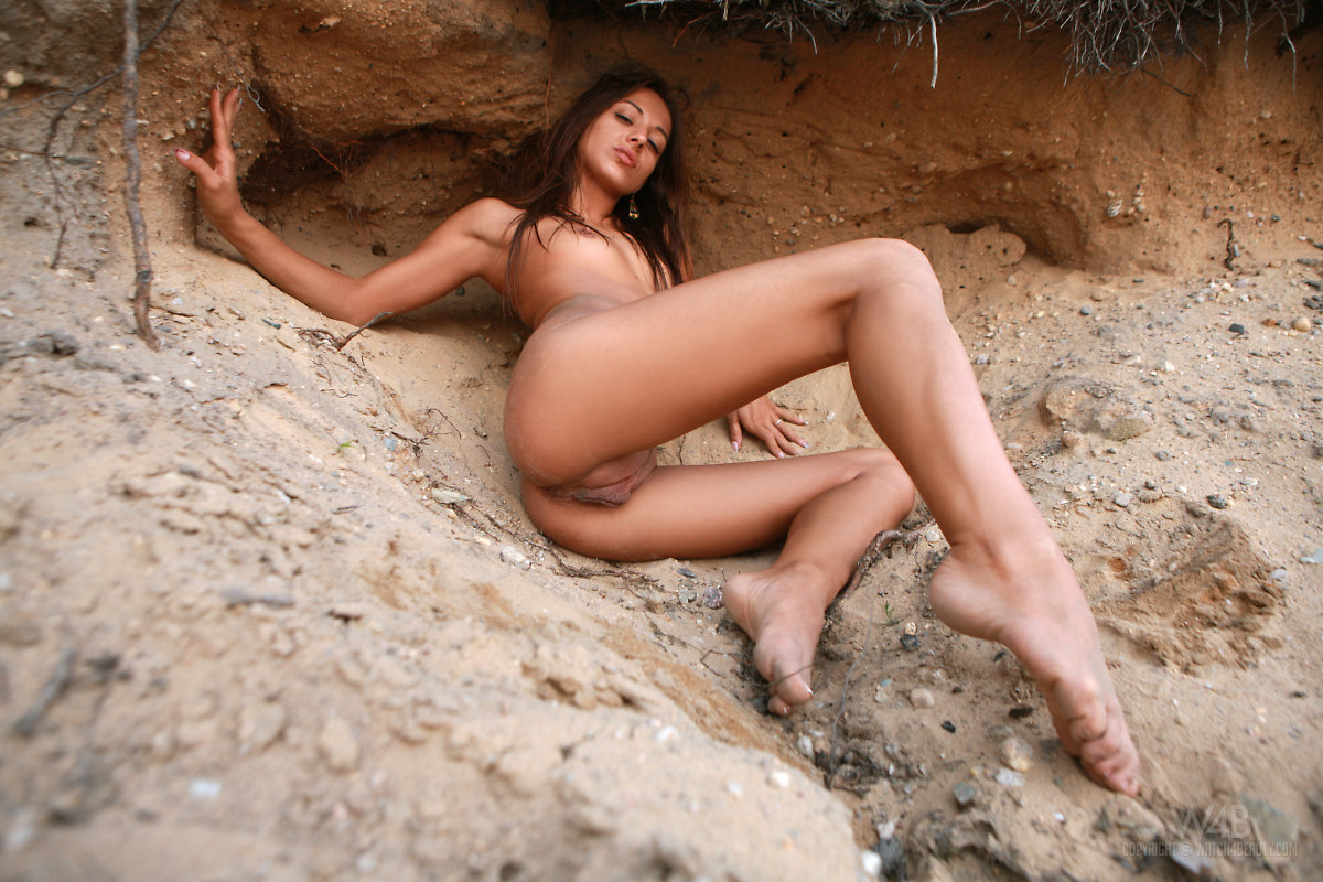 Nude gaunt Genevieve Gaunt