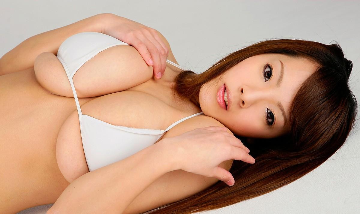 hitomi tanaka naked scene