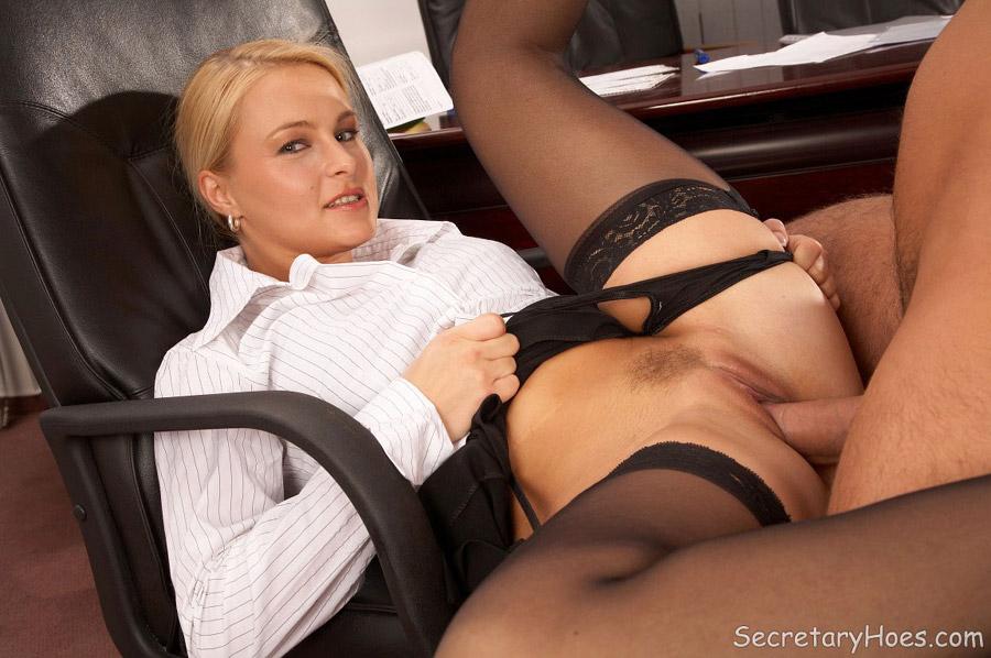 Free Secretary Stockings Porn Pics