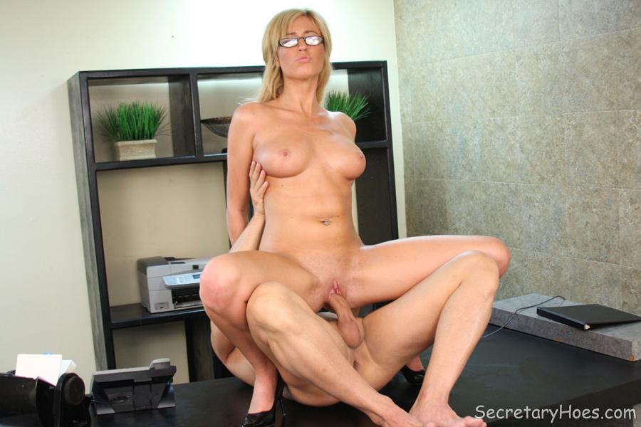 Cytherea big cock sex vidcaps