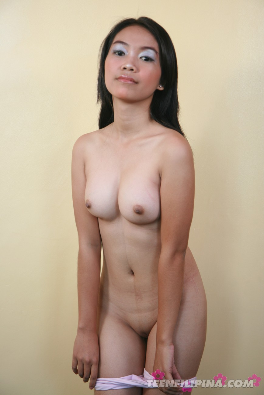naked young milfs nude