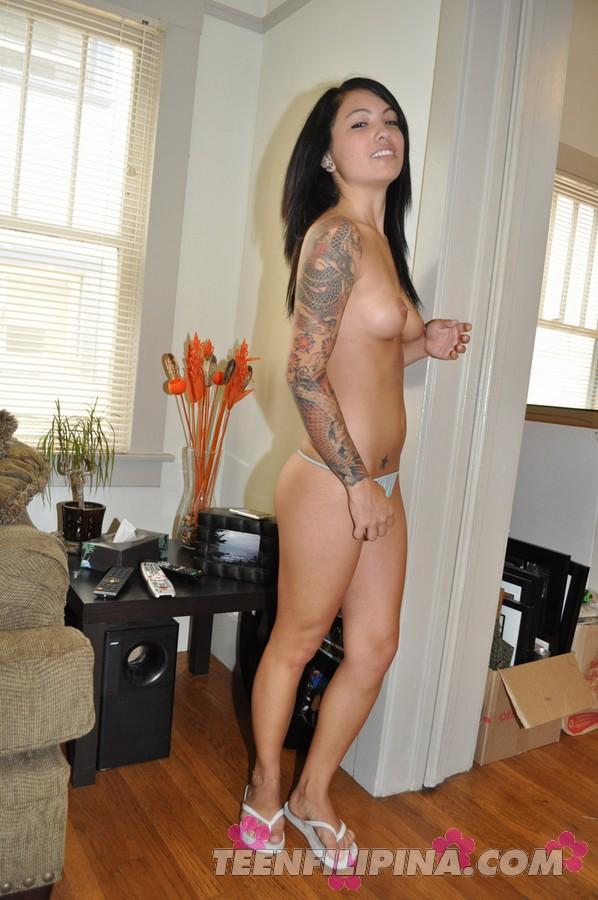 naked girl in game