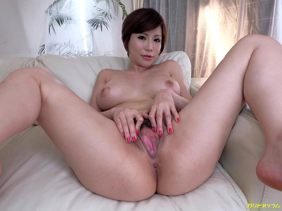 Handjob from cute amateur girl in hot amateur porn 2