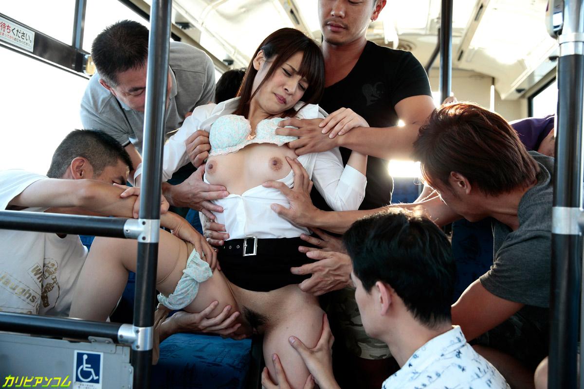 позавтракав побежал смотреть порнуху японки в автобусе подобной позе