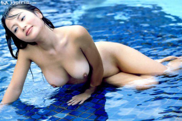 nude natural boobs